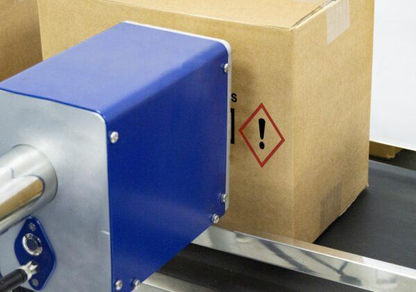 Bicolor detalle 1 600x421 - Каплеструйный принтер высокого разрешения APLINK MRX BICOLOR